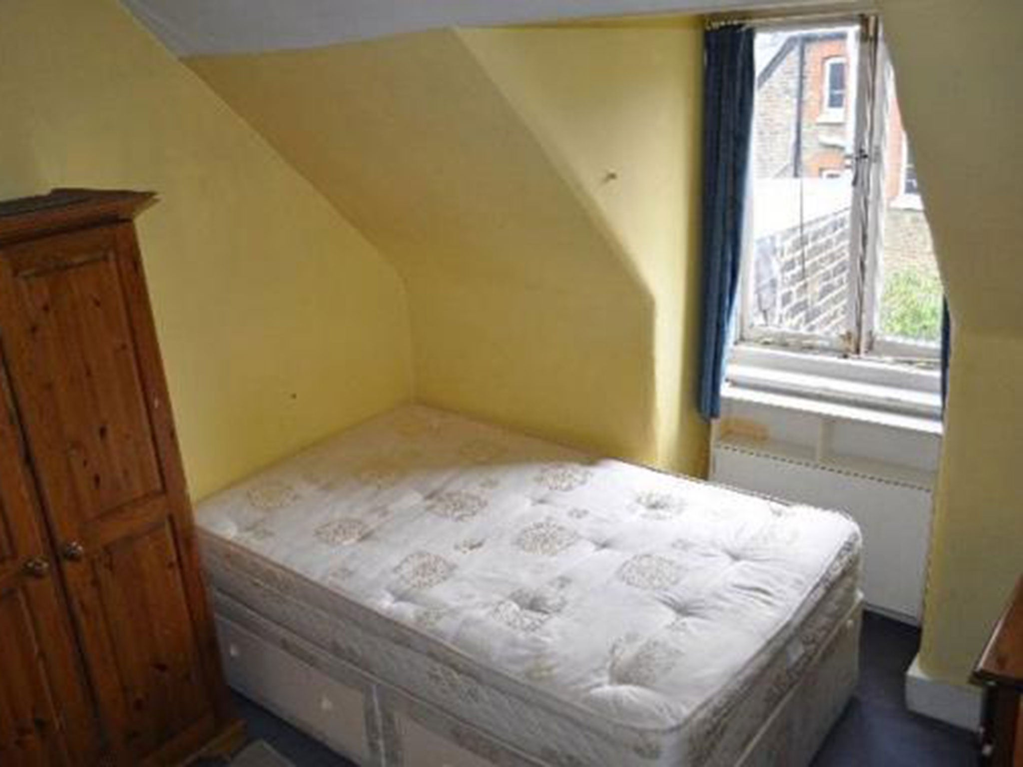 Beauty Room To Rent In Chiswick