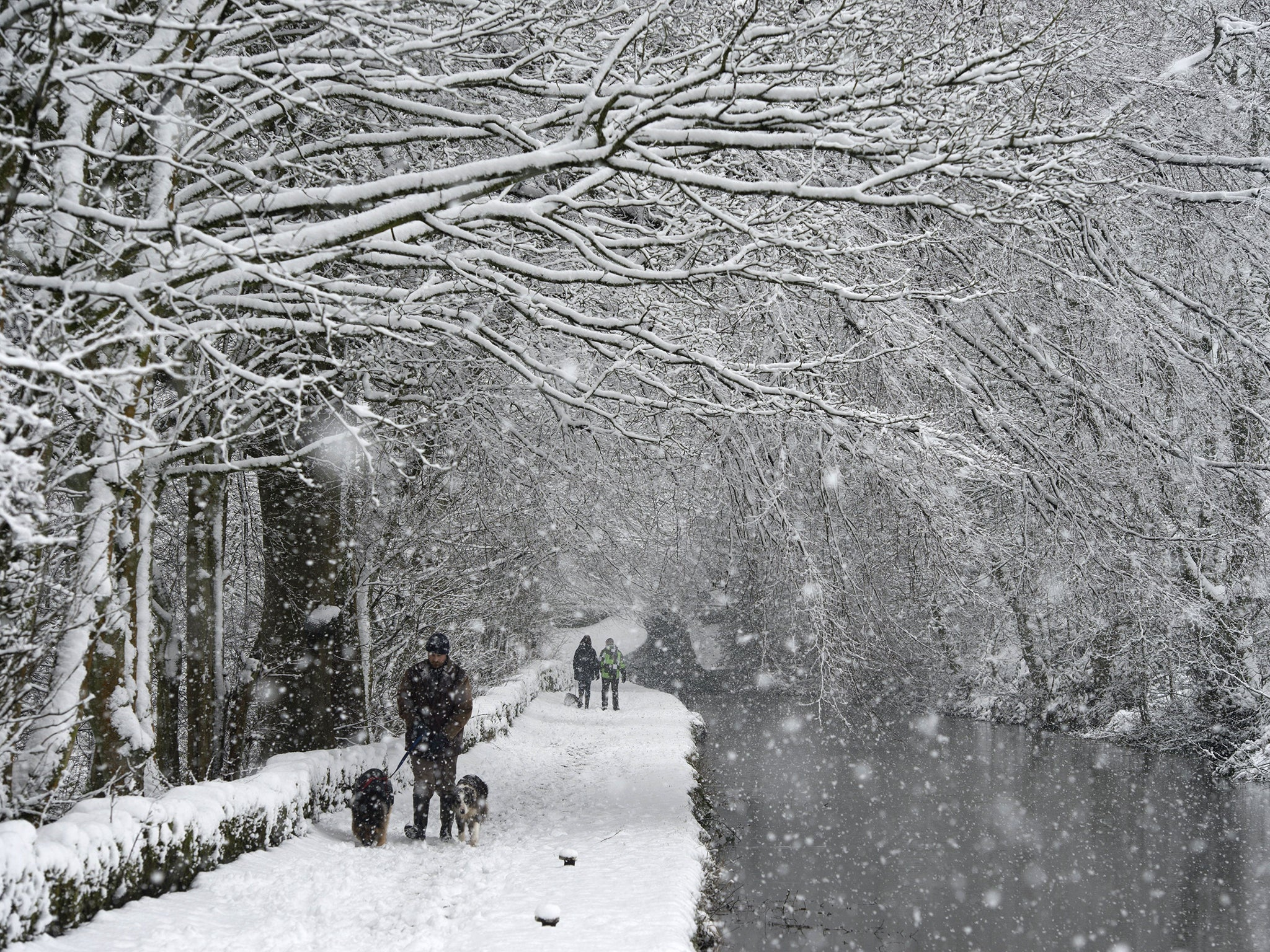 uk weather snow forecast as britain braces for icy blast