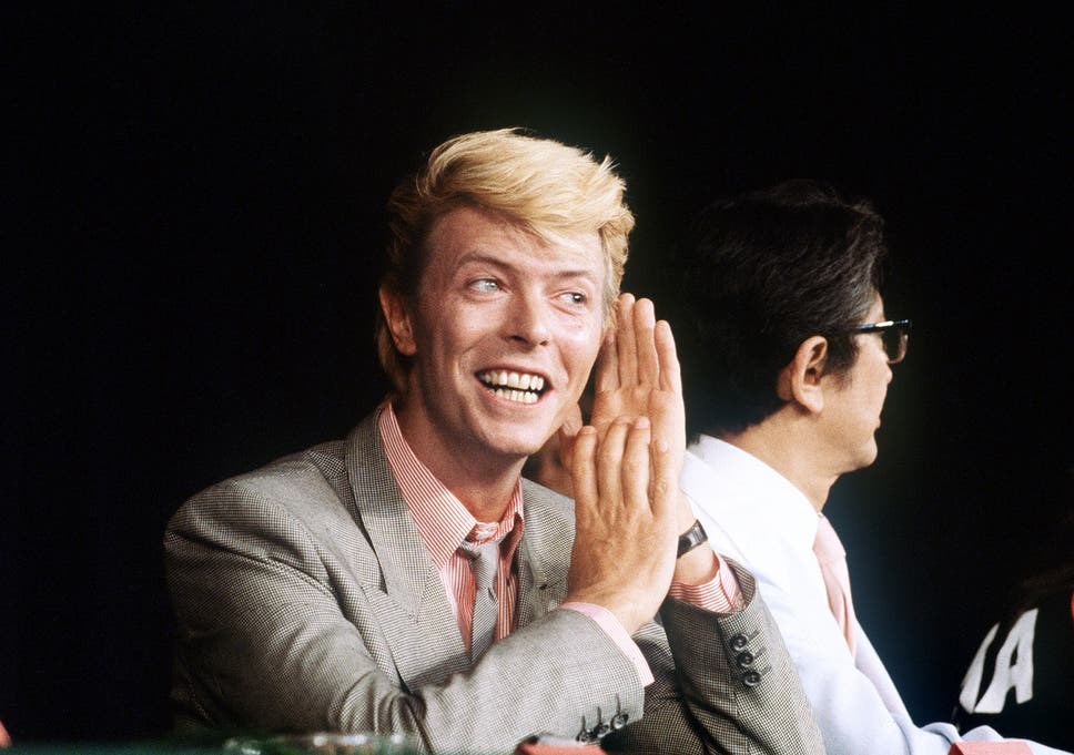 david bowie gives a press conference presenting the japanese movie merry christmas mr lawrence - David Bowie Christmas