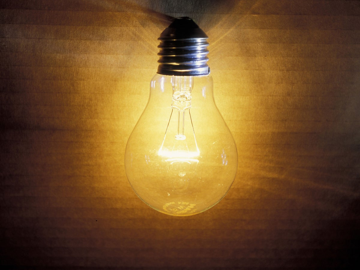 Old Fashioned Light Bulbs Could Be Set For Comeback After Light Recycling Breakthrough The Independent The Independent
