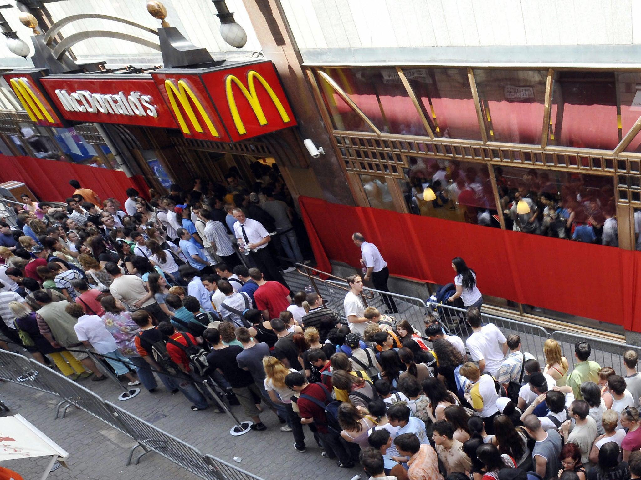 McDonald's kick out homeless man after customer buys him food | The
