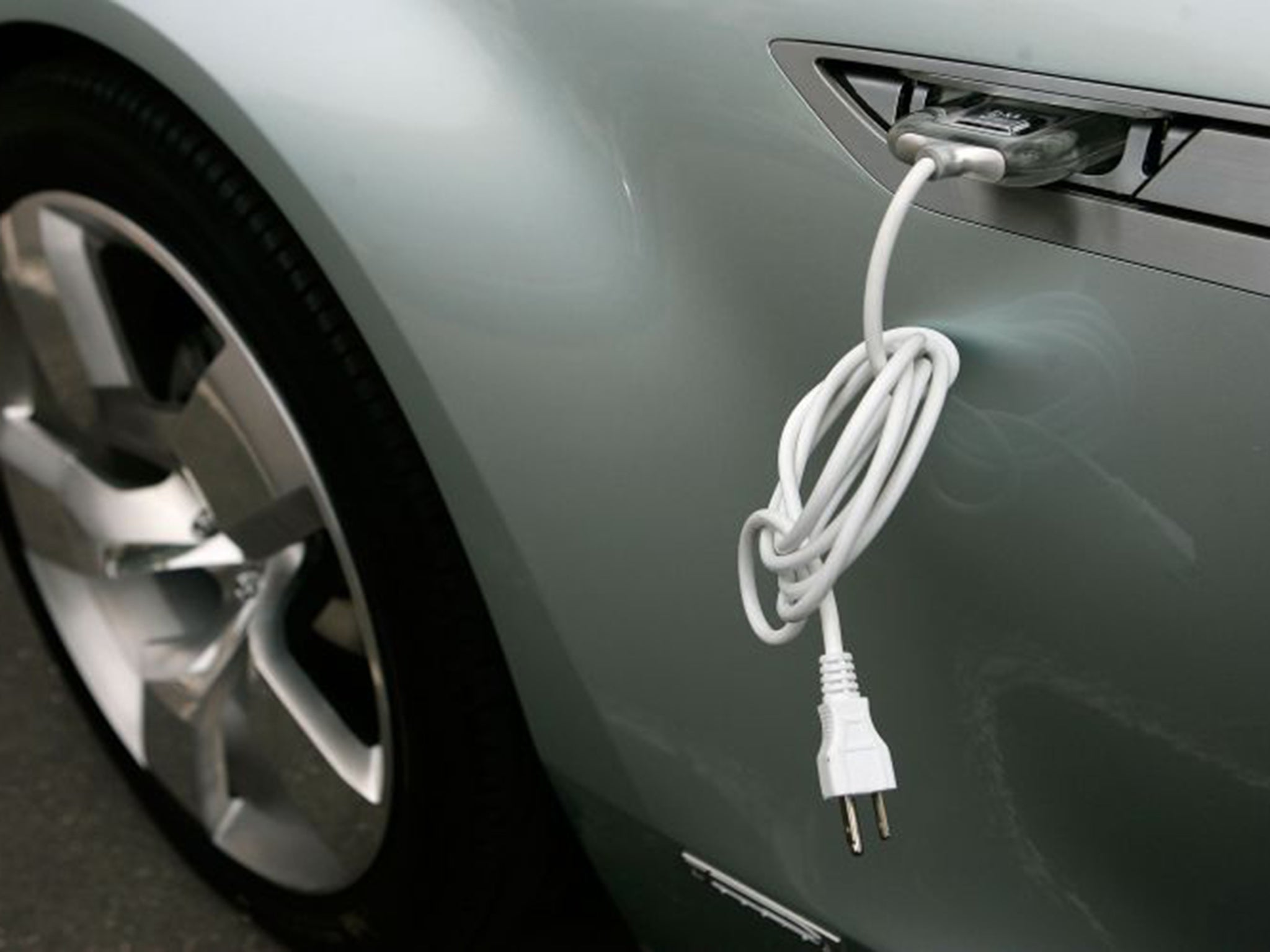 Hybrid And Electric Cars Will Be Cheaper Than Standard Vehicles By