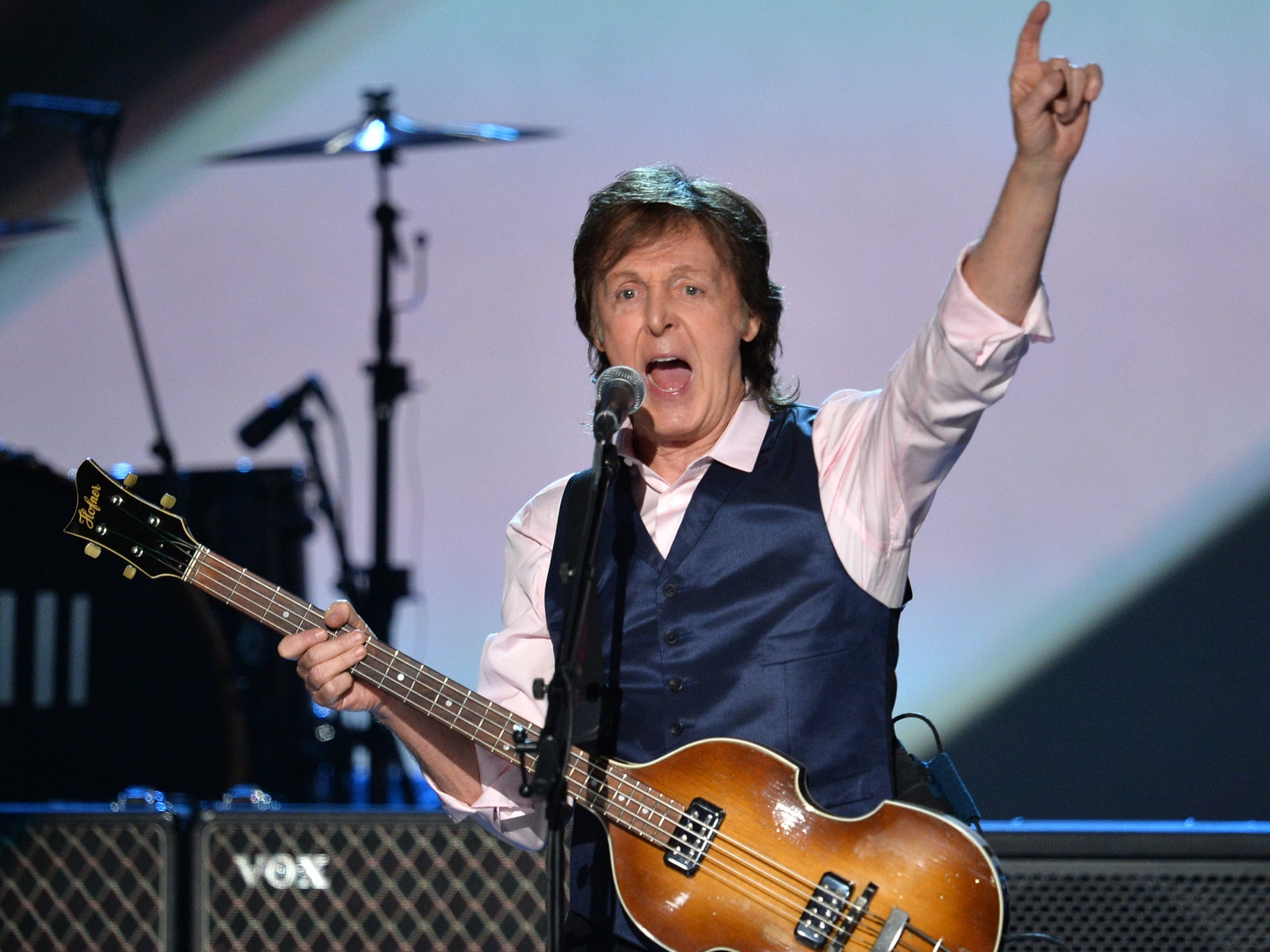 the role of paul mccartney in the beatles Paul mccartney and ringo starr were reunited on the red carpet of paul's daughter stella's latest fashion event, in los angeles.