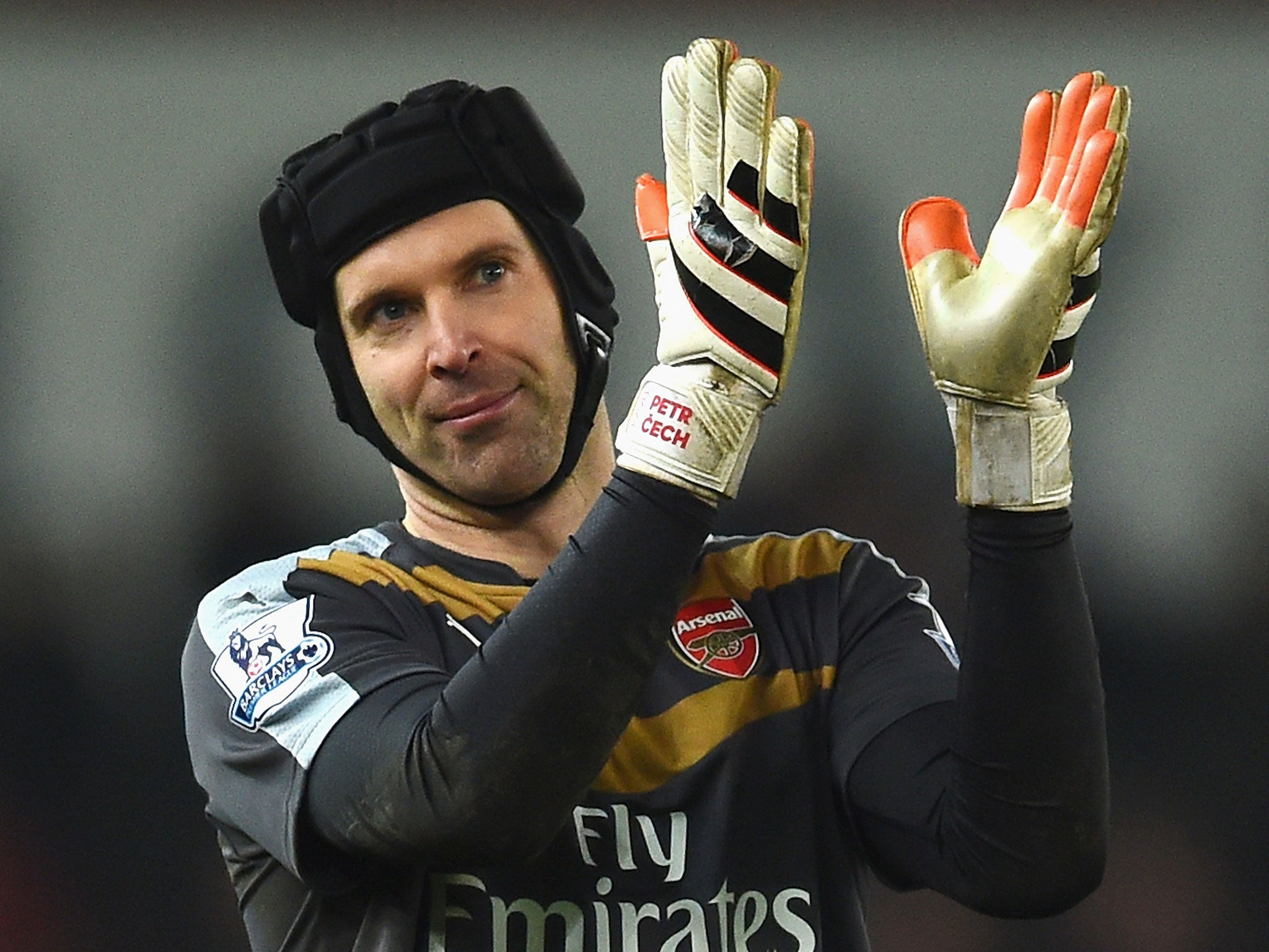 Petr Cech Gloves Mistakenly Sent To Chelsea Instead Of