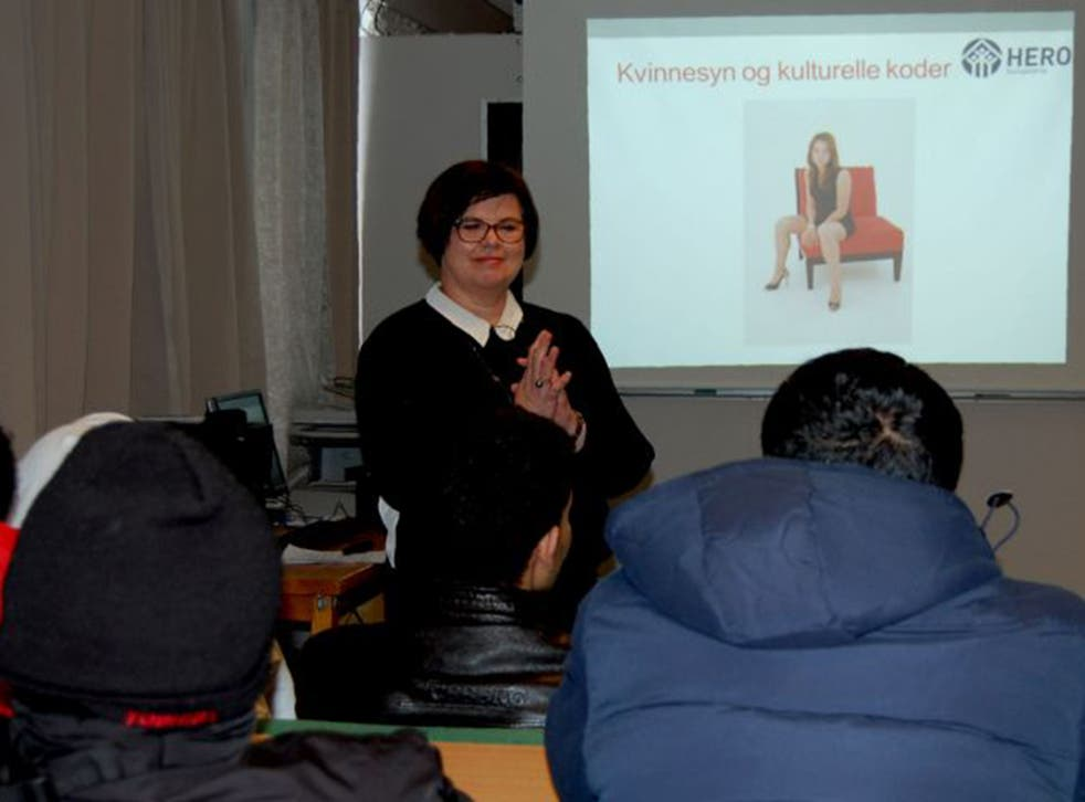 Linda Hagen addresses Syrian and Sudanese asylum seekers during a courses to prevent violence against women