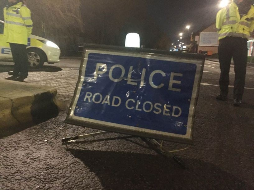 Two Dead After Car Plunges Into Bristol S Feeder Canal The Independent