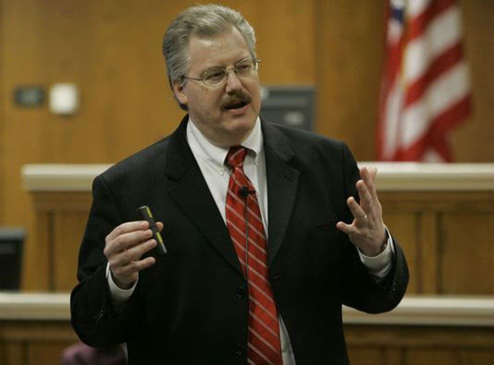 Calumet County prosecutor Ken Kratz led the cases against Avery and his nephew