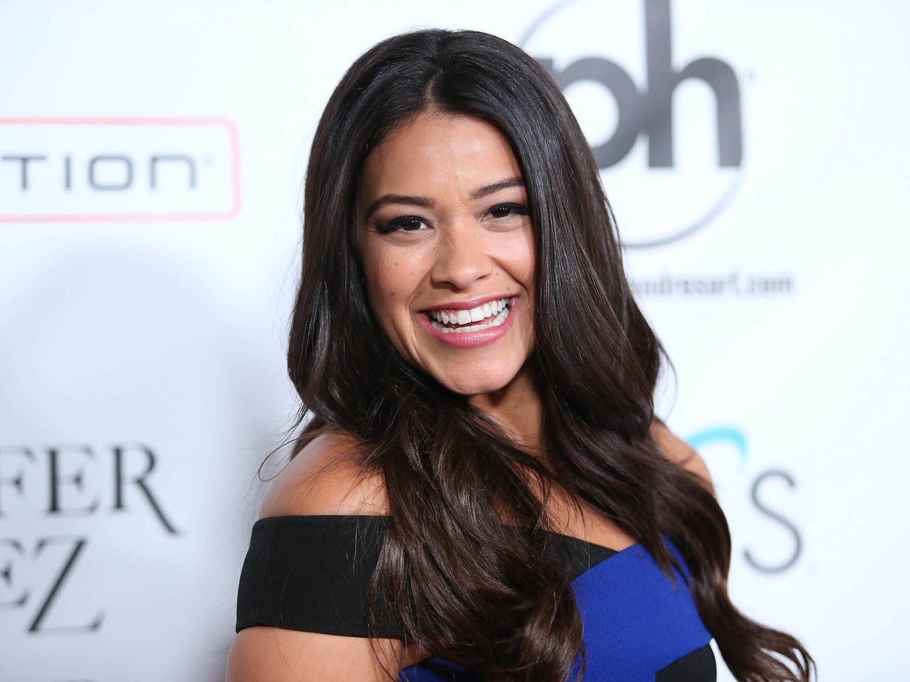 Gina Rodriguez apologises for saying the n-word during Instagram vid…