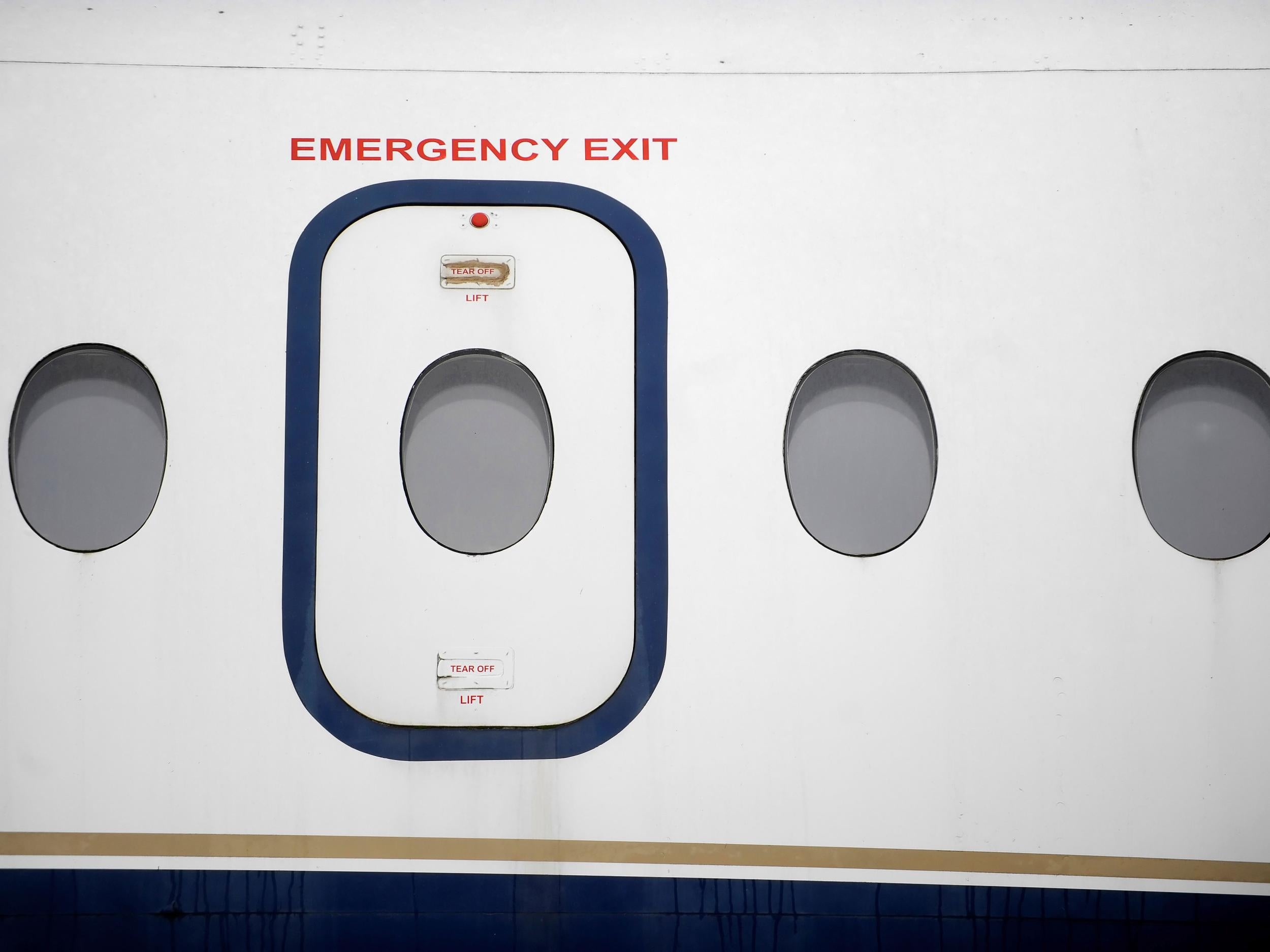 Passenger escorted from plane \u0027after opening emergency exit door just for fun\u0027 | The Independent & Passenger escorted from plane \u0027after opening emergency exit door ... Pezcame.Com