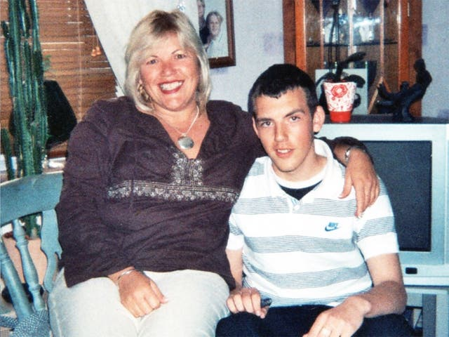 <p>Melanie Leahy, with her son Matthew who died in 2012, says the North Essex hospital report took too long to produce</p>