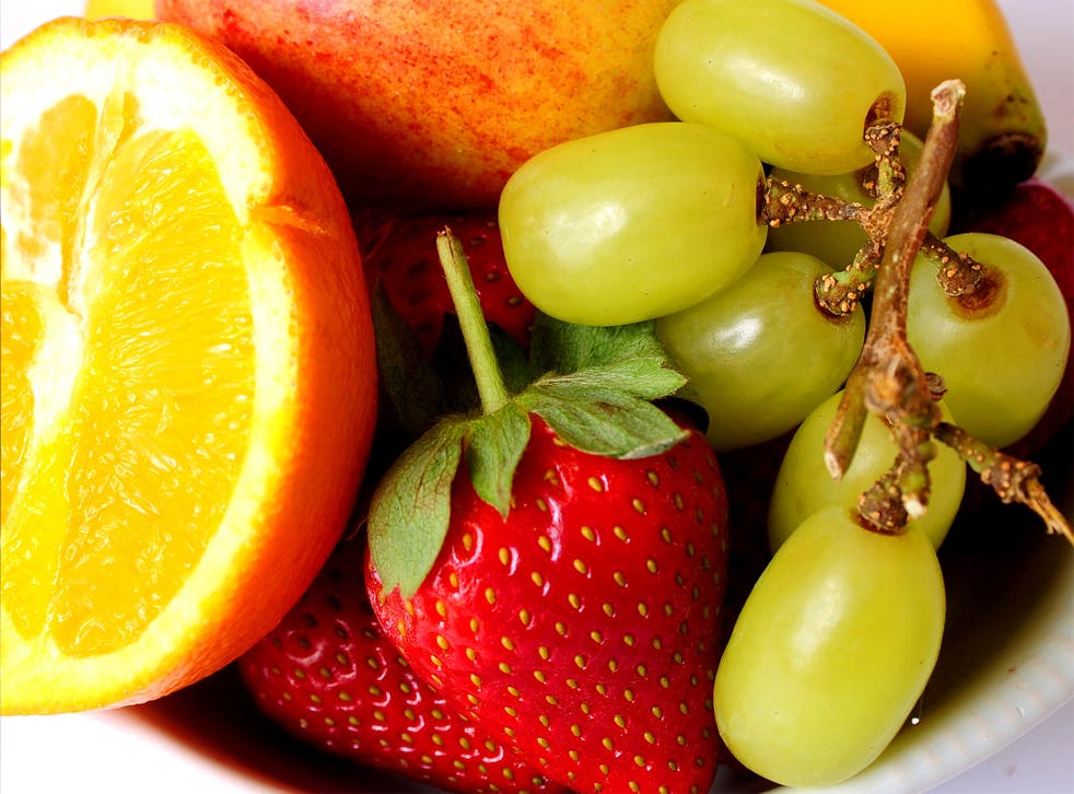 Fruit and vegetables with high levels of flavonoids could help people maintain a healthy weight