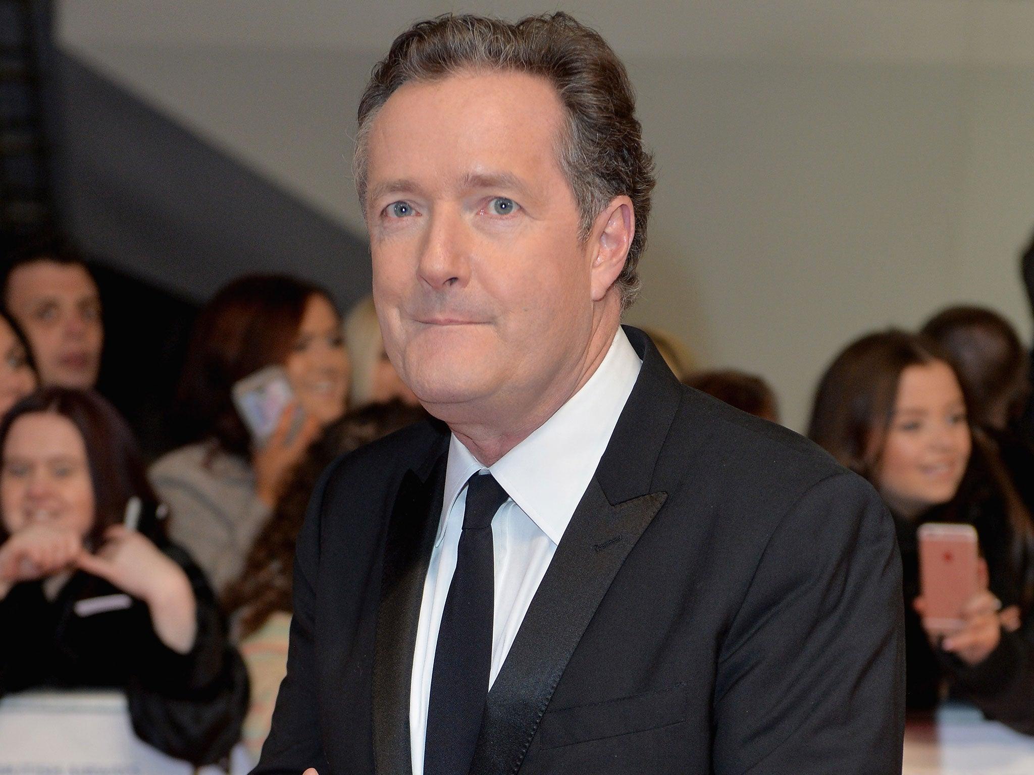 Piers Morgan to perform naked conga around Arsenals