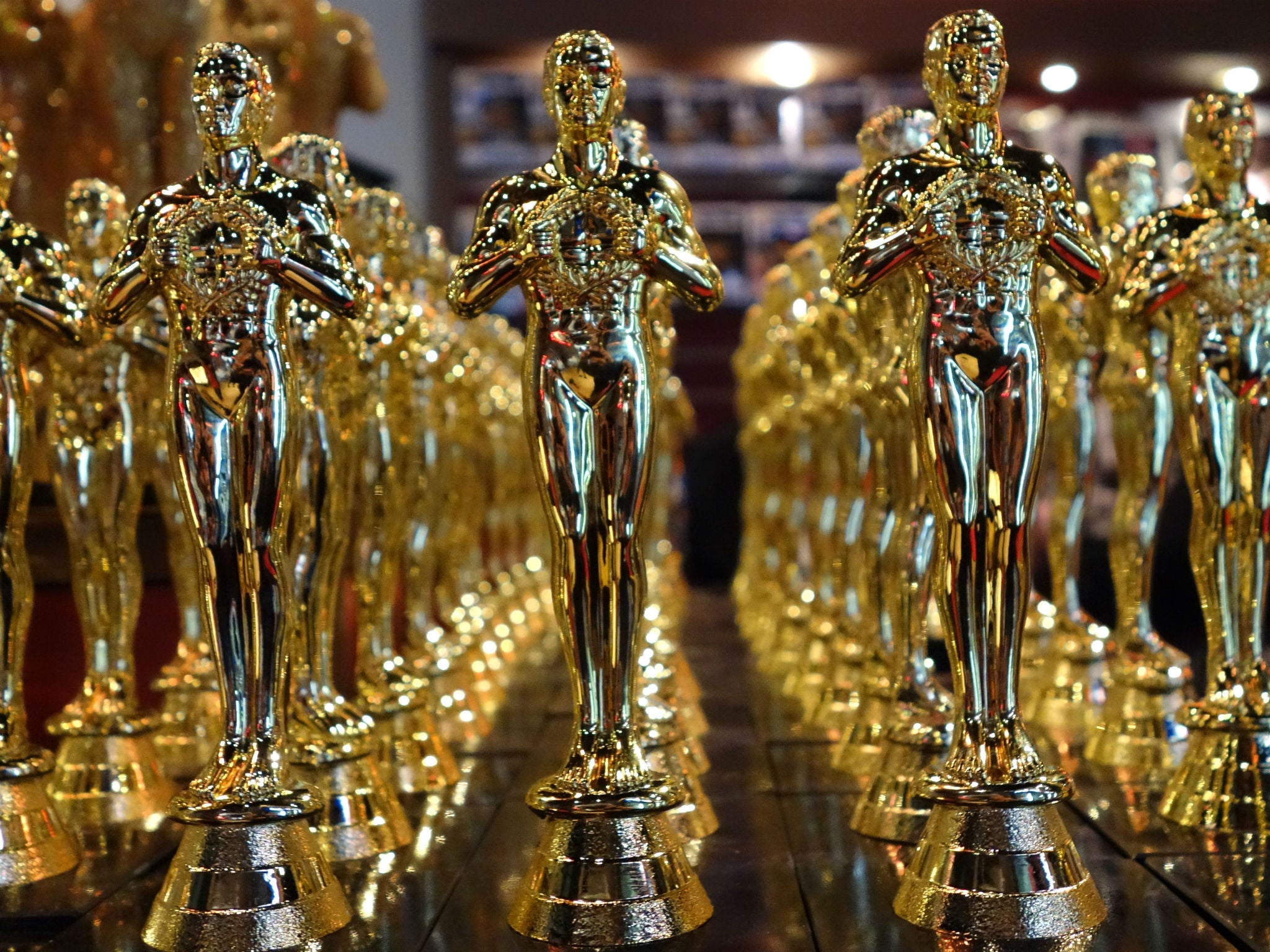 Image Result For Oscar Award Trophy Worth