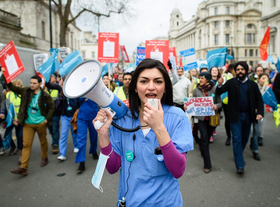 Protesters in London march against plans to change junior doctors' contracts