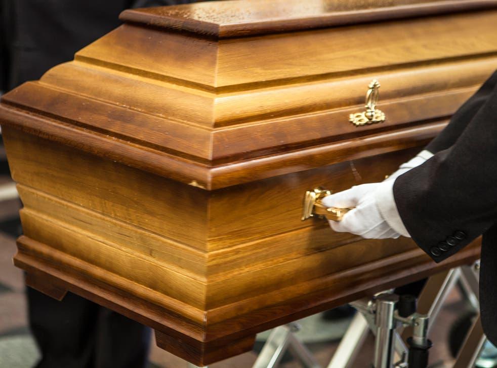 Siete personas fueron heridas mientras asistían a un funeral en Wisconsin, según los informes.