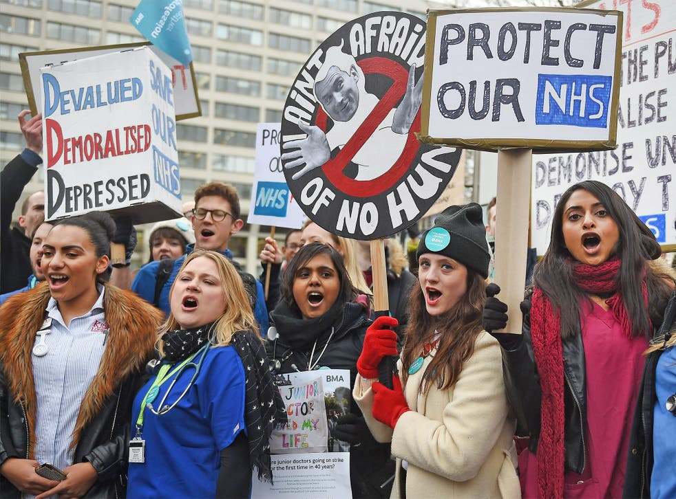 Junior doctors picket outside St Thomas' Hospital in London