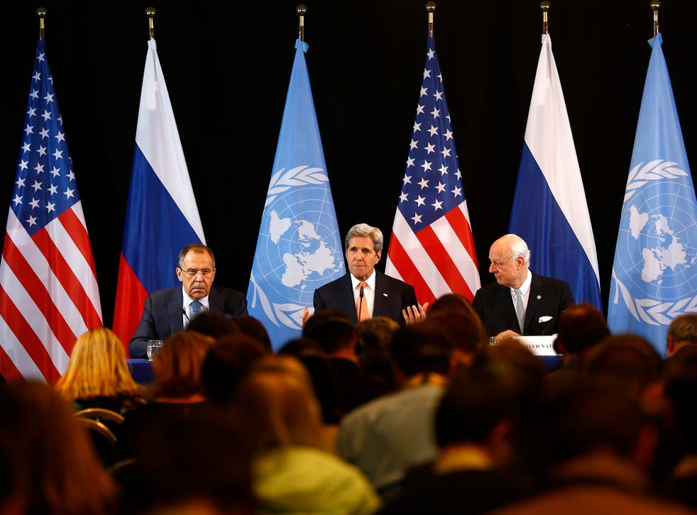 U.S. Secretary of State John Kerry, center, Russian Foreign Minister Sergey Lavrov, left, and UN Special Envoy for Syria Staffan de Mistura, right, attend a news conference after the International Syria Support Group (ISSG) meeting in Munich, Germany,