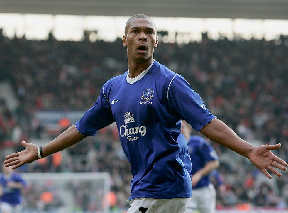 Marcus Bent celebrates scoring the equalising goal in stoppage time during the Barclays Premiership match between Southampton and Everton at St Mary's on 6 February, 2005, in Southampton, England