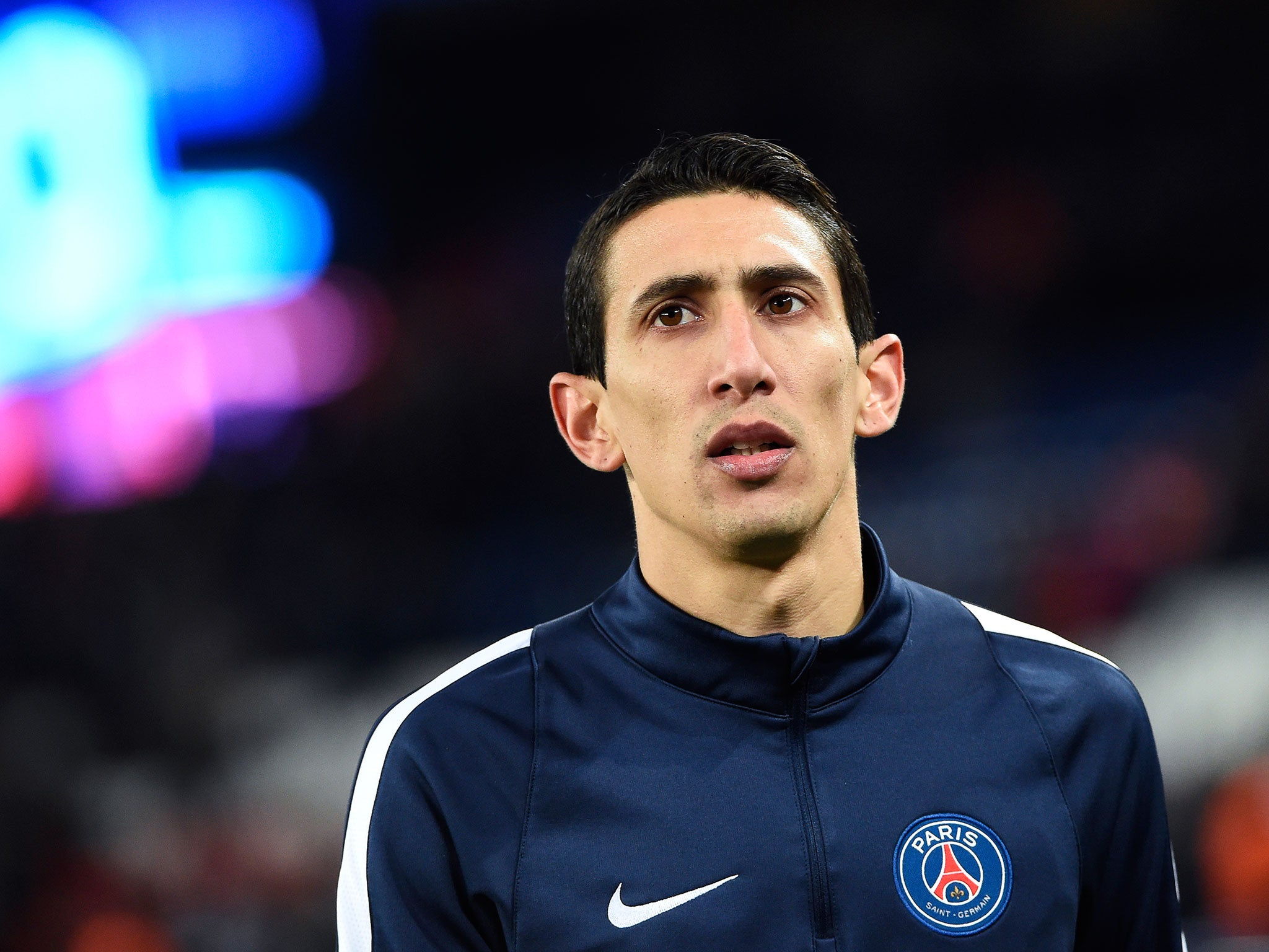 manchester united fans angry with angel di maria 39 s man of