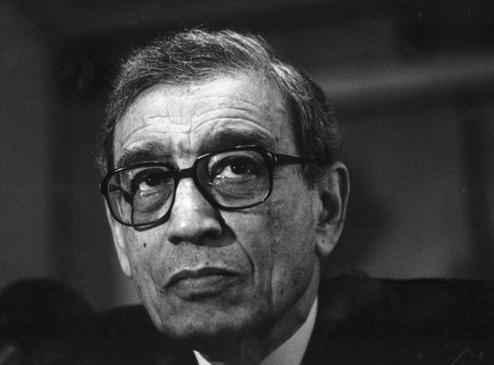 An autocratic style that did not endear him to bureaucrats: Boutros-Ghali in 1992 I