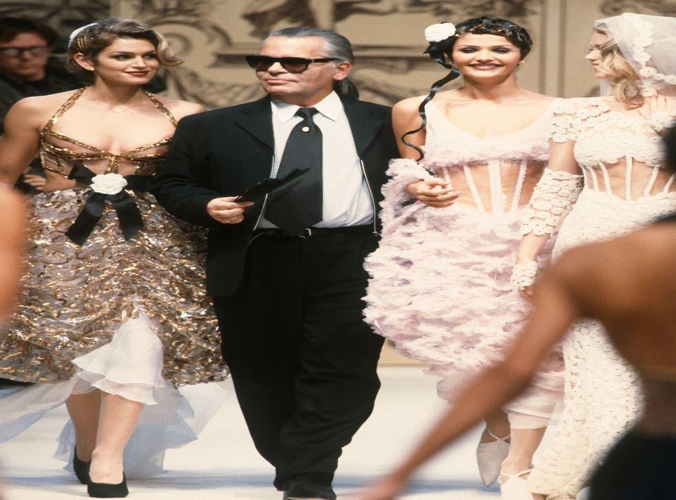 Cindy Crawford, Karl Lagerfeld and Helena Christensen at Paris Fashion Week in 1993