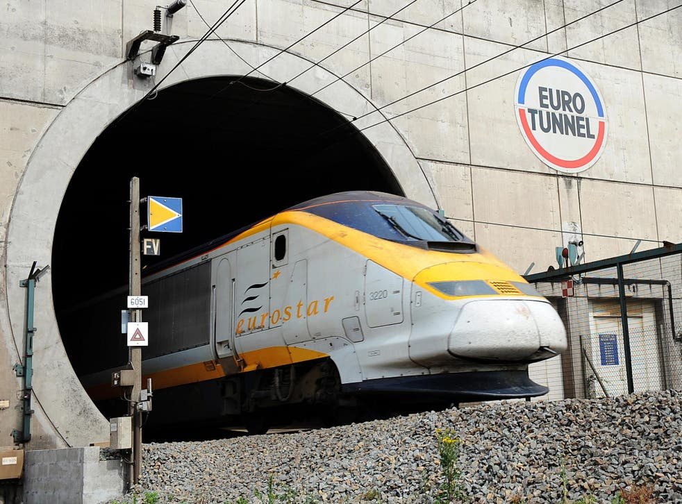 Eurotunnel estimates services will not resume before 5pm