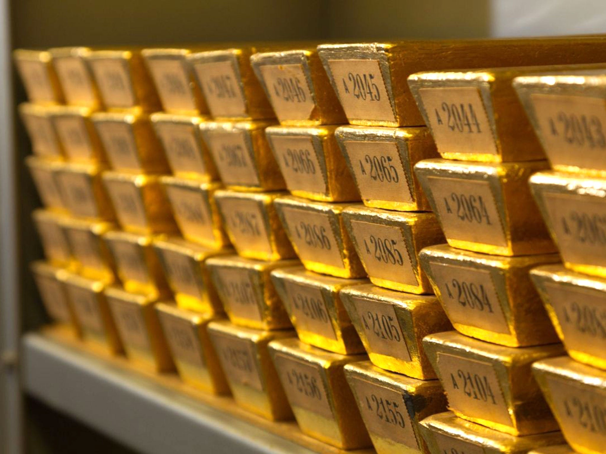 Barclays to sell 2,000-tonne London gold vault to China's ...
