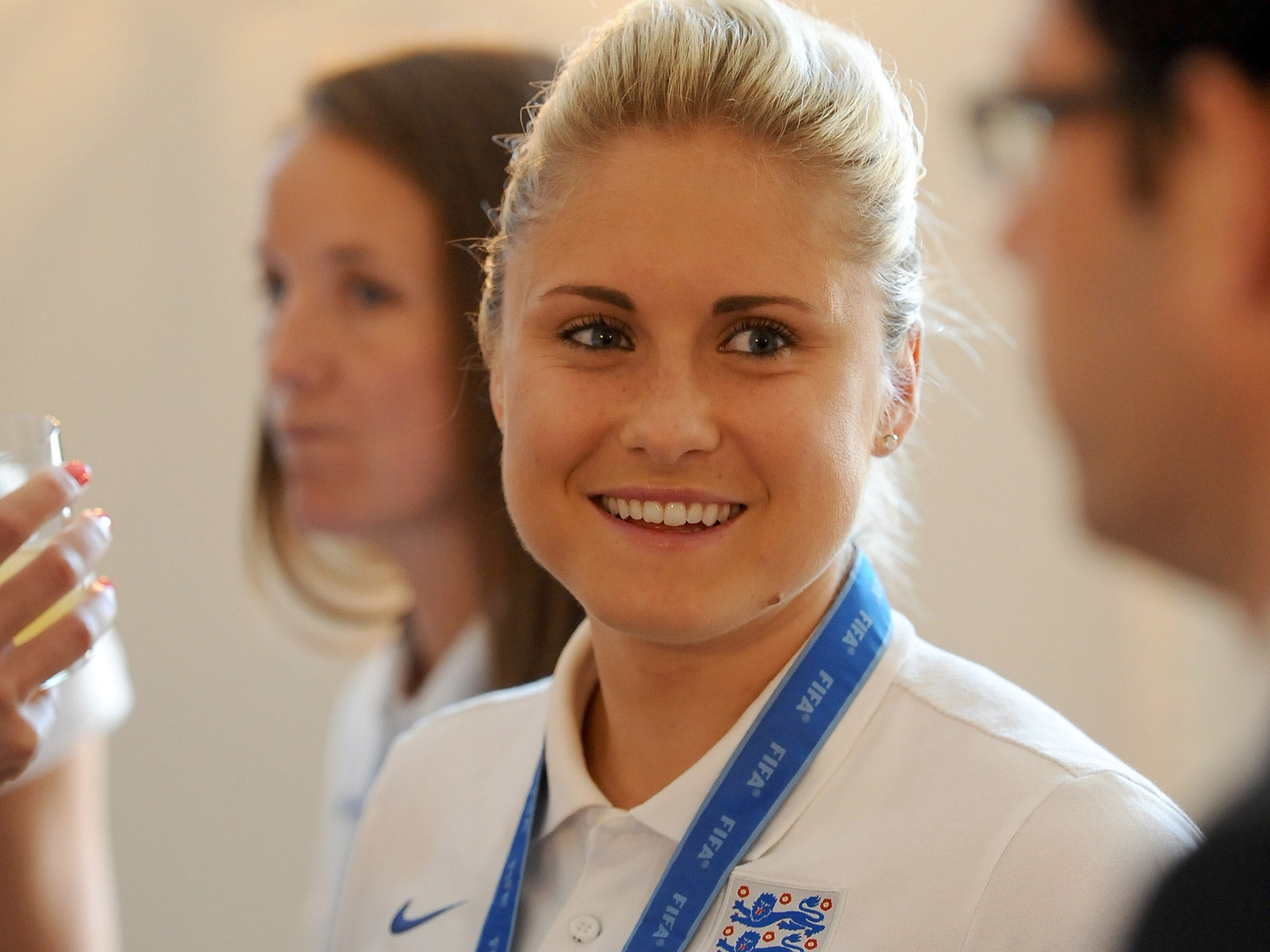 Steph Houghton England Women S Football Captain Sets Sights On Euro 2017 The Independent