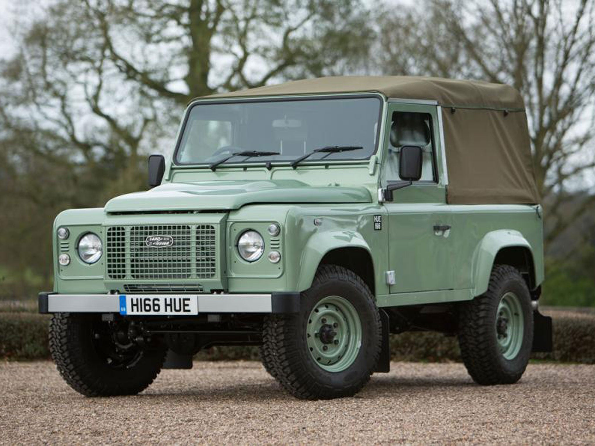 land rover final defender 90 heritage signs off 68 year production run in style the independent. Black Bedroom Furniture Sets. Home Design Ideas