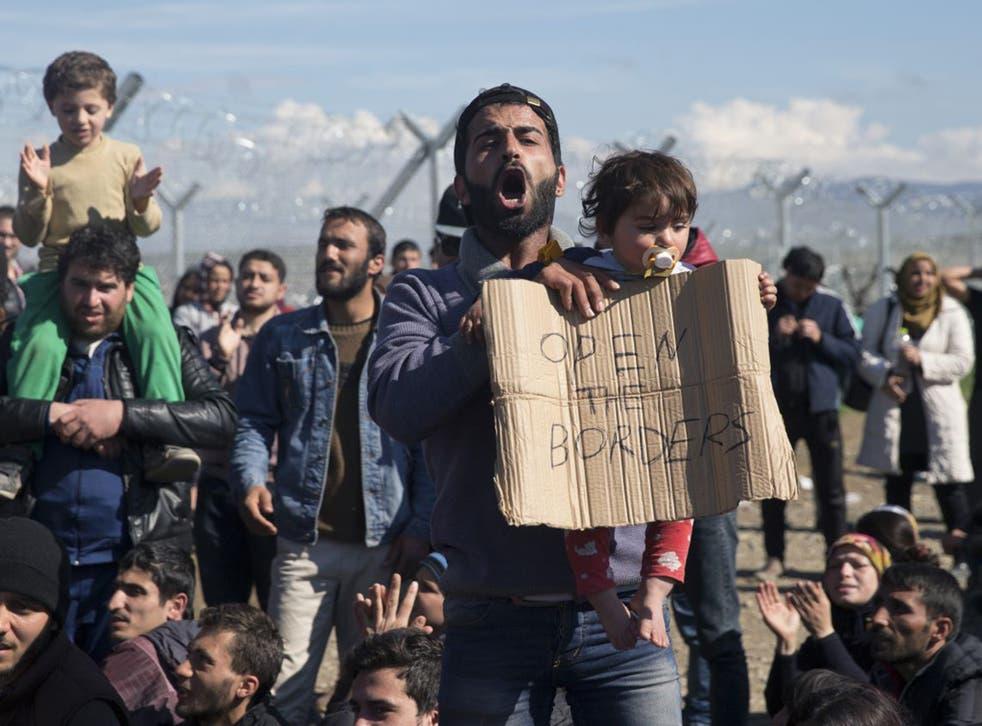Protesters at theGreek border postof Idomeni