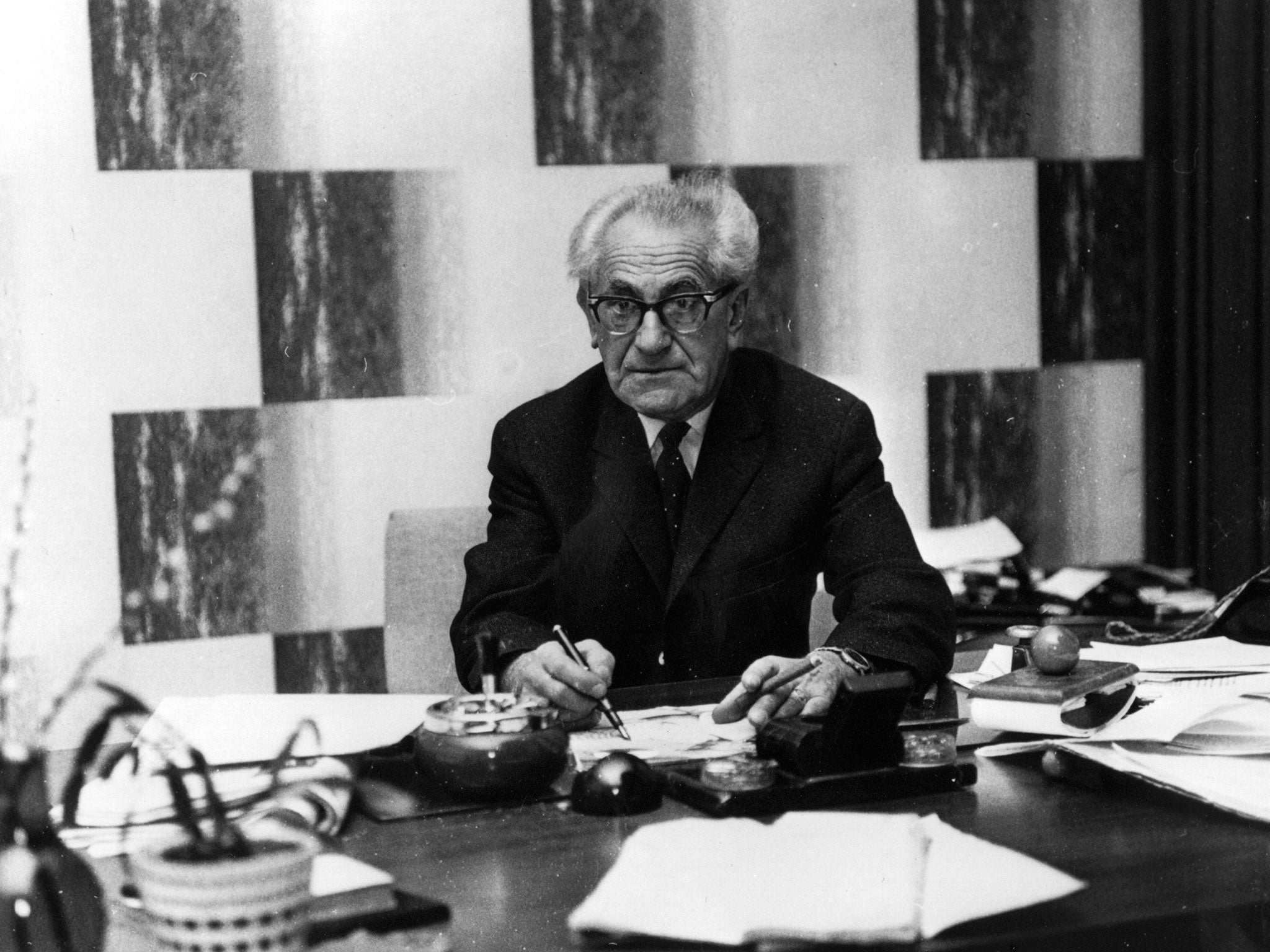 Germany finally pays tribute to first Nazi hunter Fritz Bauer | The Independent