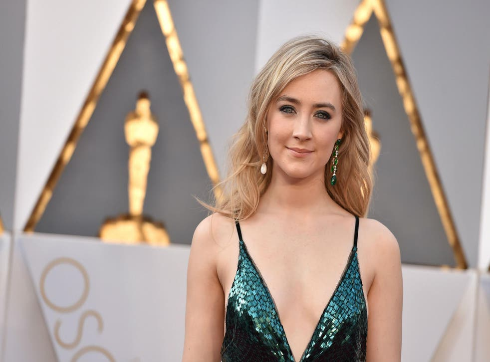 Saoirse Ronan wore a green dress by Calvin Klein to represent her home country, Ireland