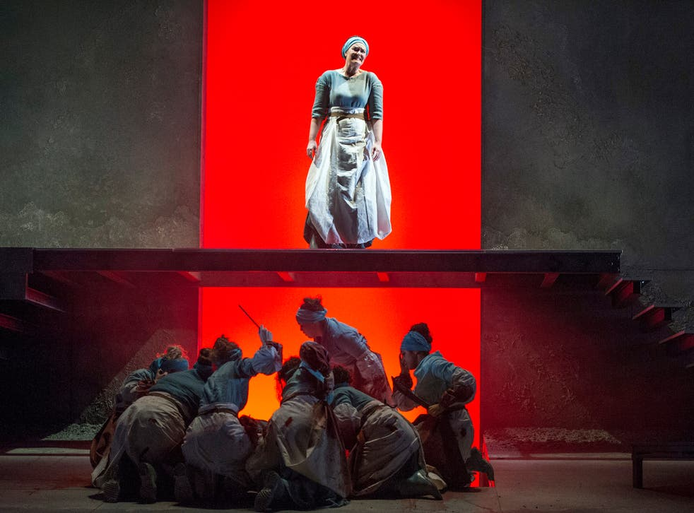 Iphigenie (Catherine Carby) and the Greek Priestesses in 'Iphigenie en Tauride'
