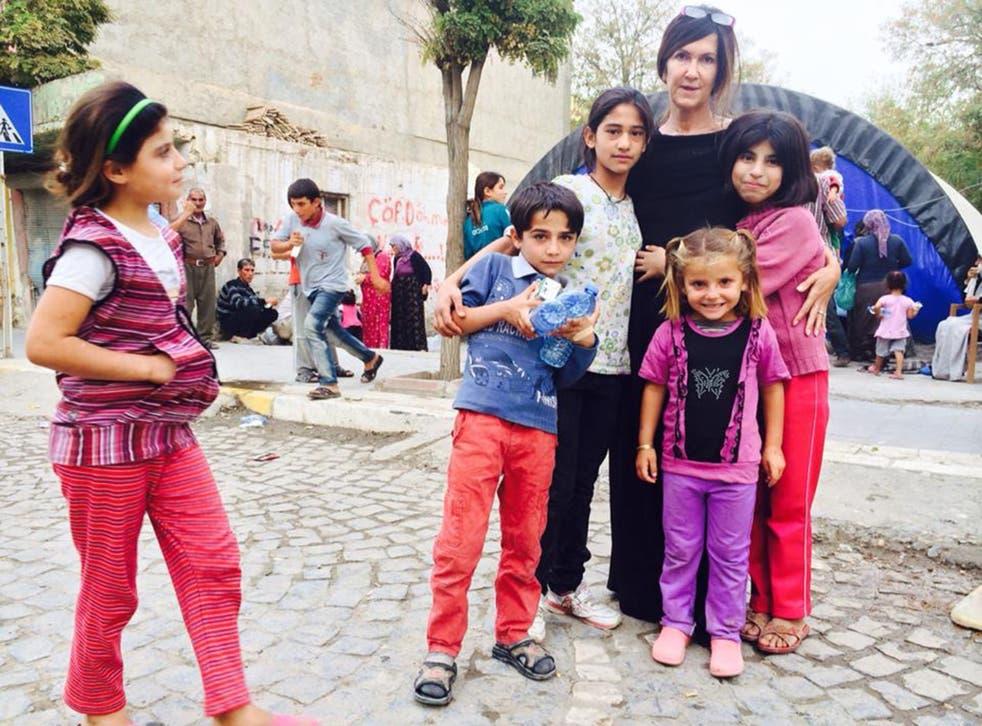 Vanessa with refugee children on the Turkish Riviera