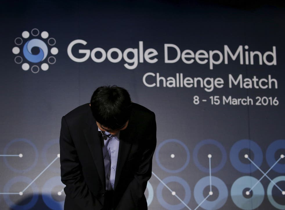 South Korea's Lee Sedol, the world's top Go player, bows during a news conference ahead of matches against Google's artificial intelligence program AlphaGo, in Seoul, South Korea, March 8, 2016