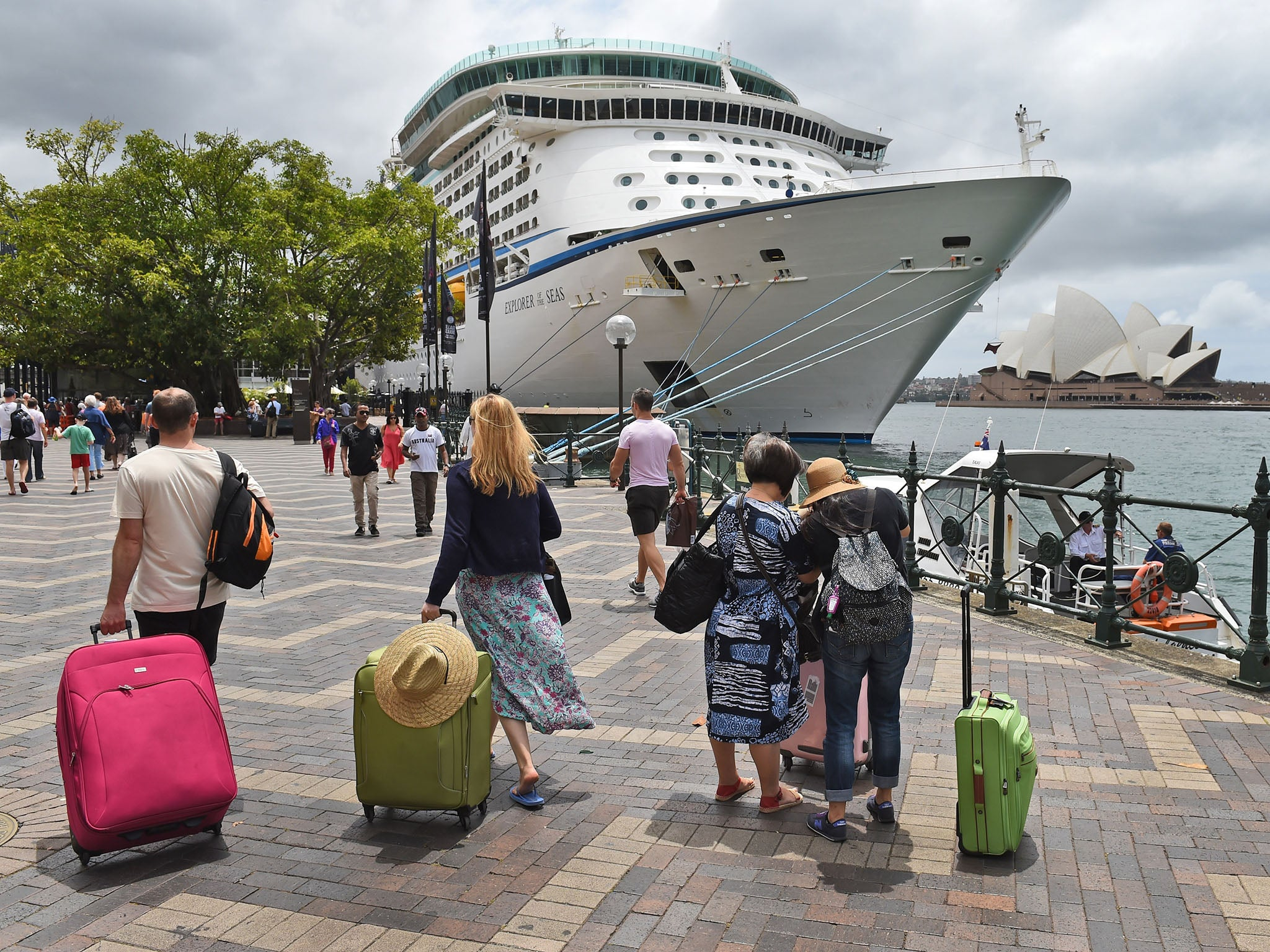 Cruise ships: Why people are signing up to become full ...