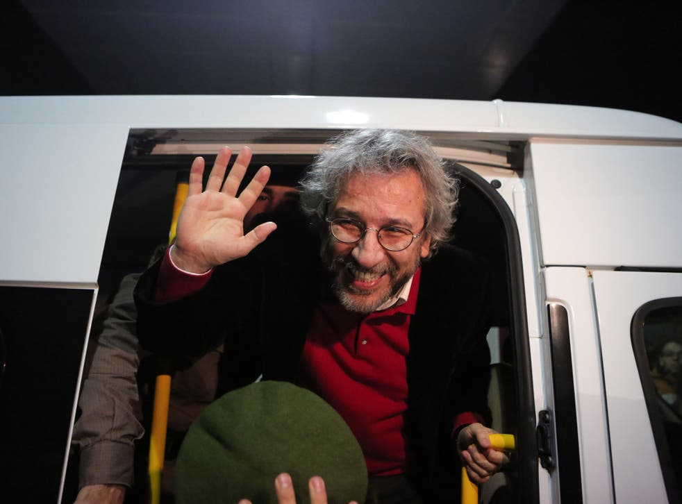 President Erdoğan has criticised Turkey's top court for releasing journalist Can Dündar, who has been charged with attempting to overthrow the government