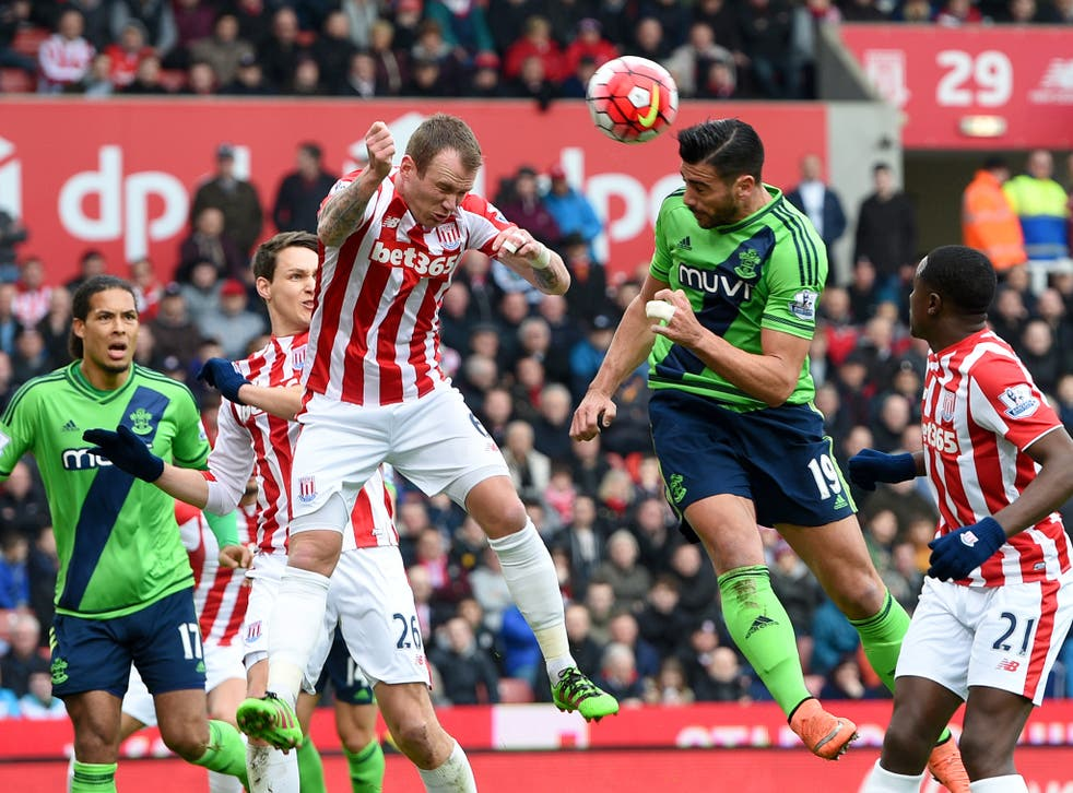 Southampton striker Graziano Pelle heads home the opening goal