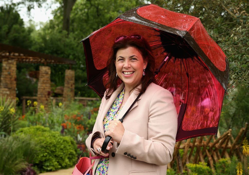 woman hates new kitchen Kirstie Allsopp Says Keeping Washing Machines In Kitchens Is