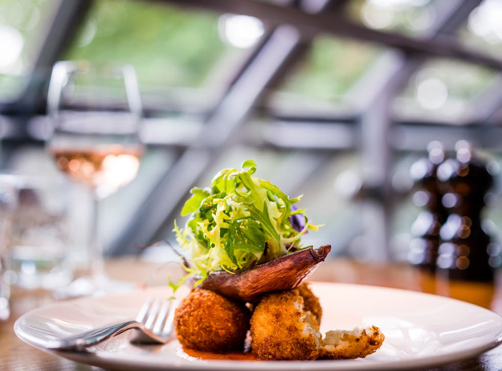 Lussmanns Fish & Grill welcomes over 3000 diners a week