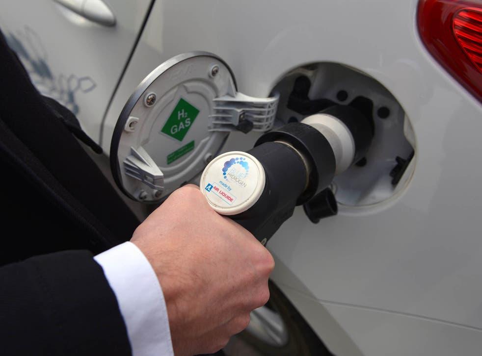 Refueling a hydrogen car