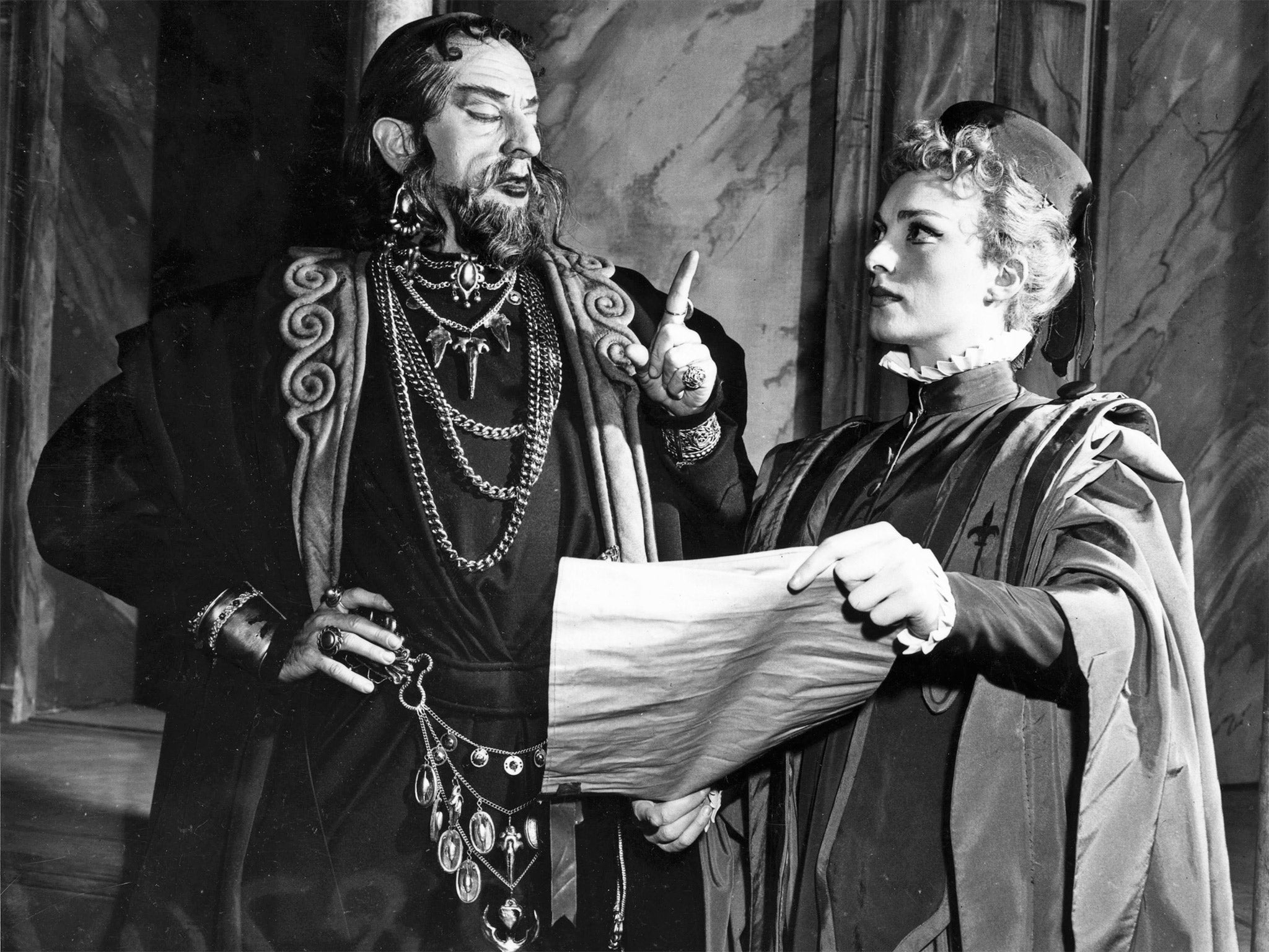 the merchant of venice shakespeare In the merchant of venice, bassanio has some financial troubles his friend borrows money from shylock, a jewish moneylender, but is imprisoned when he can't pay his debt at the end of the play.