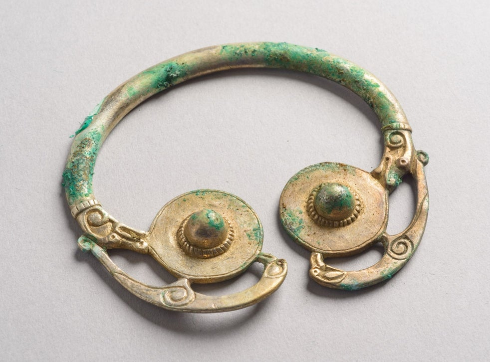 Viking Treasure Hoard 1 000 Years Old Discovered In Scotland The Independent The Independent