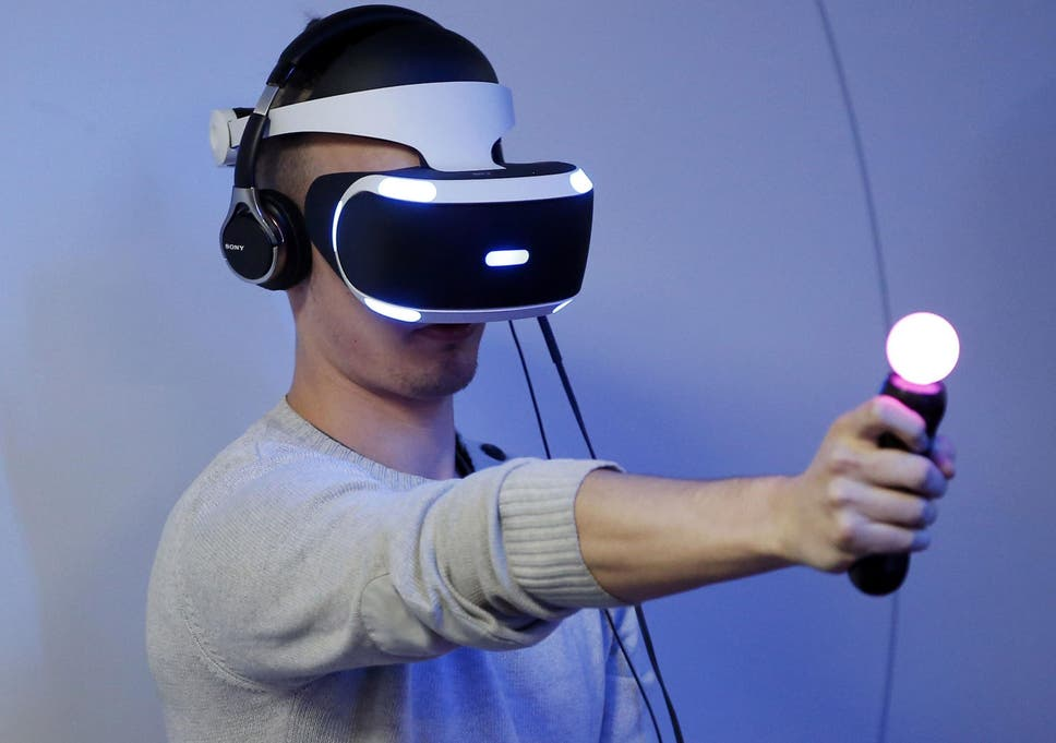 Playstation VR: Sony considering making headset compatible