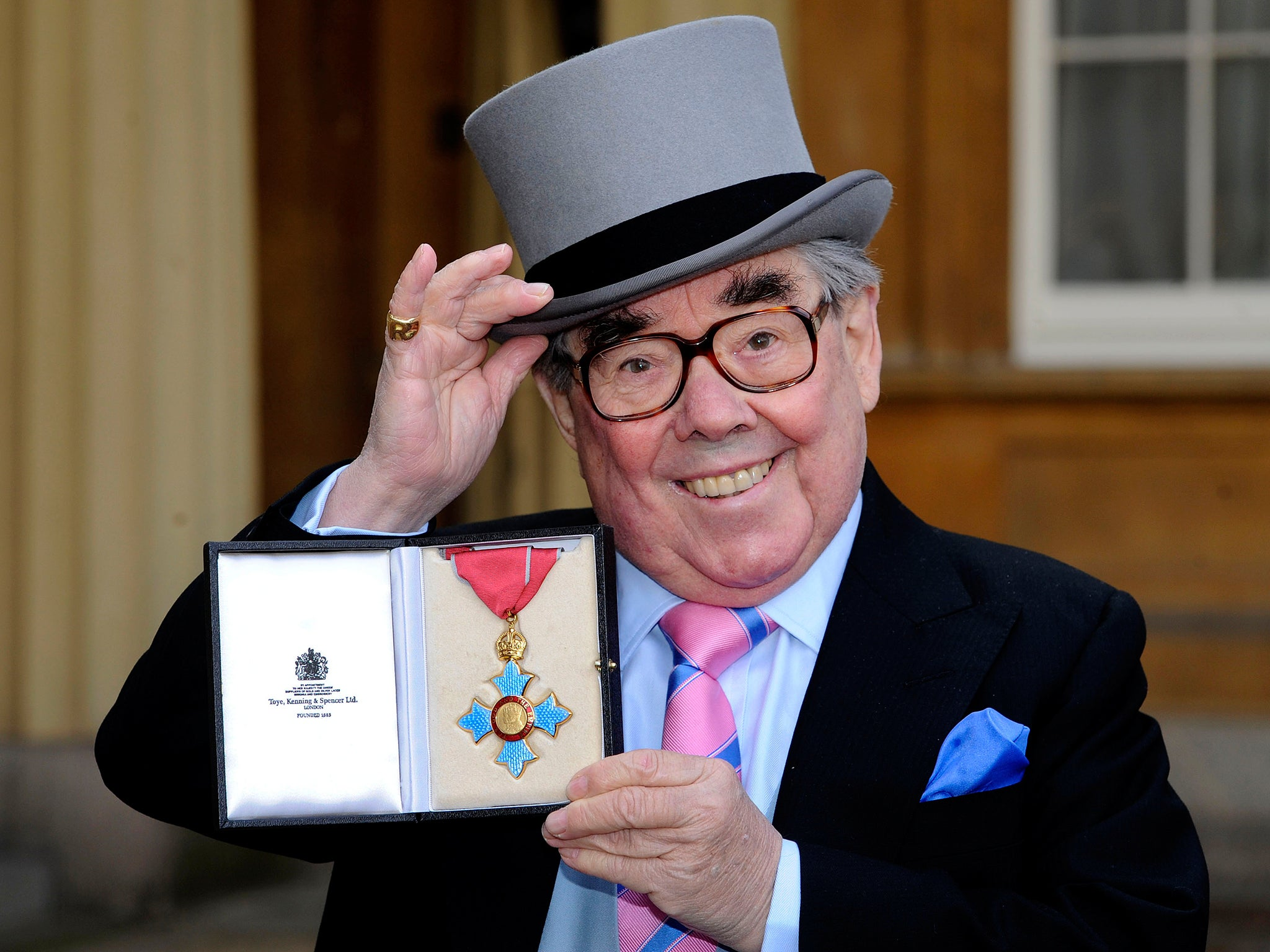 Ronnie Corbett dead: Ricky Gervais leads comedians paying tribute to The  Two Ronnies star | The Independent | The Independent