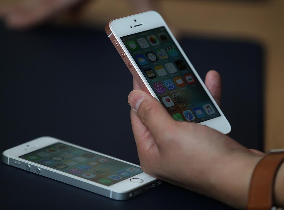 Las aplicaciones no pueden simplemente eliminarse, pero Apple parece estar trabajando para al menos hacer que desaparezcan
