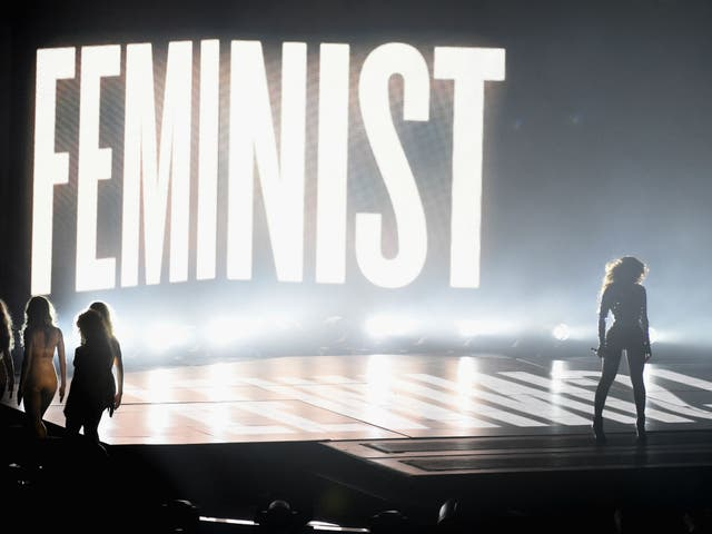 Beyoncé explains why she performed in front of the word 'feminist' | The  Independent | The Independent