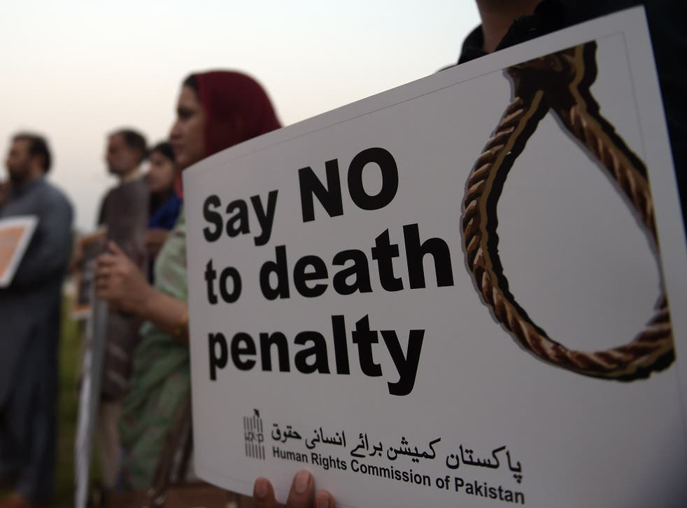 Human rights activists protest death penalty in Pakistan <em>Aamir Qureshi/Getty Images</em>