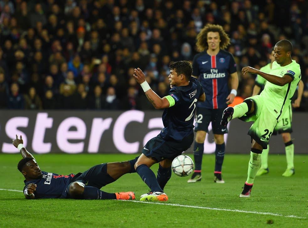 Fernandinho strikes to level for Manchester City