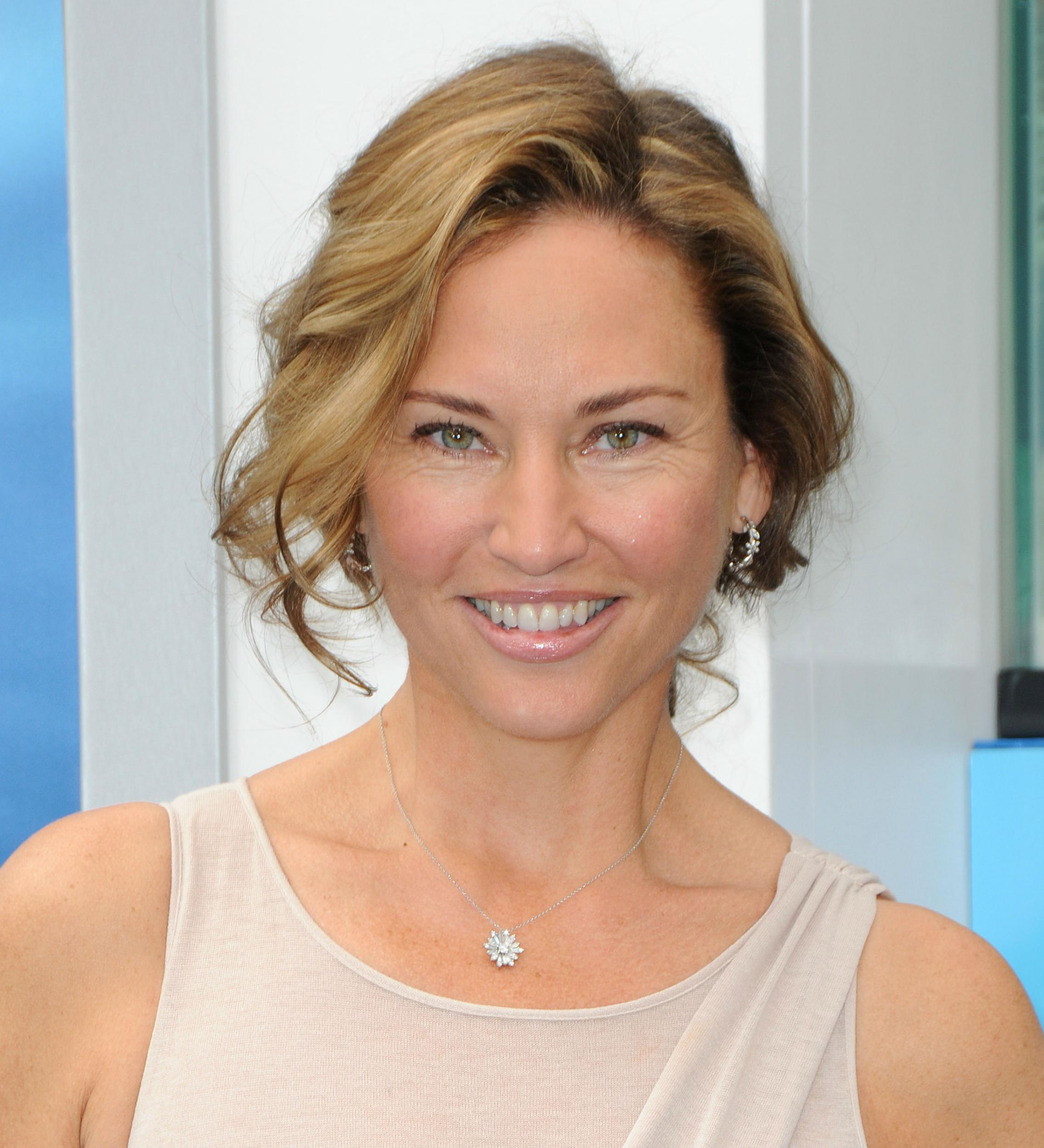 jill goodacre speaks out over victorias secret model erin